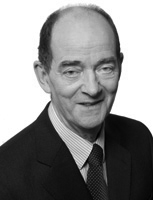 Eversheds Sutherland founder retires from practice