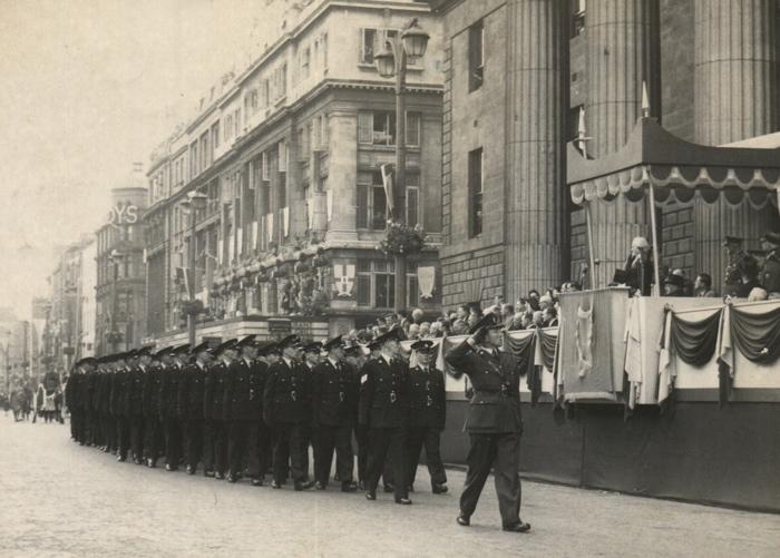 An Garda Síochána recruits outside the General Post Office 1954