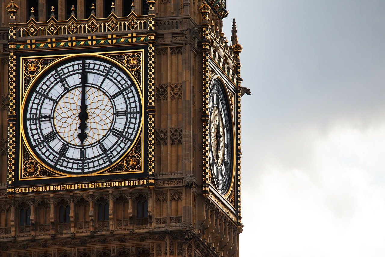 UK: Police and MI5 crime authorisation bill clears third reading