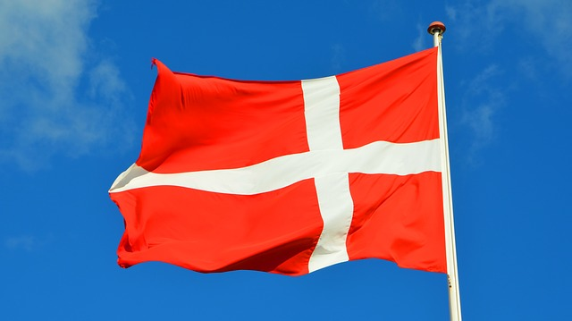 Denmark: MPs pass law allowing for asylum seekers to be processed abroad