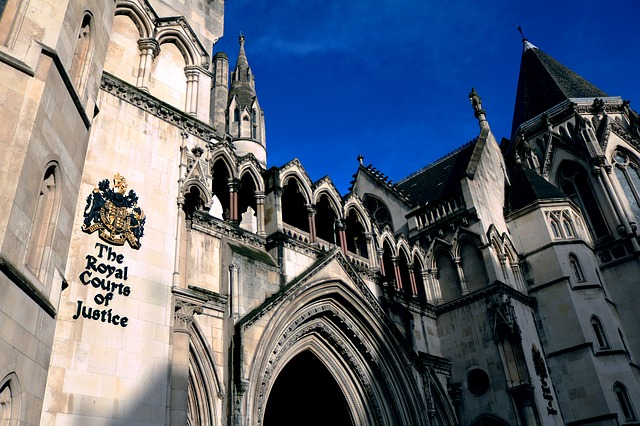 England: Woman not told about father's Huntington's diagnosis brings landmark case on medical disclosure
