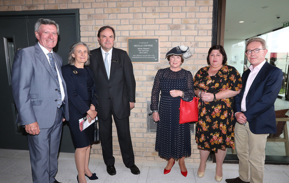 #InPictures: The Curragh Racecourse unveils plaque in memory of former William Fry chairman